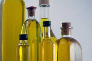 Cómo limpiar un derrame de aceite de cocina