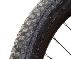 Cómo quitar las marcas de los neumáticos de bicicleta de los pisos de madera dura